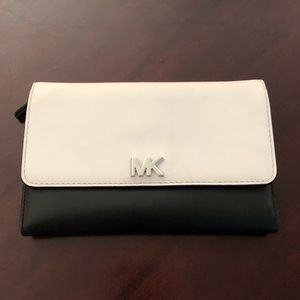 Michael Kors Nolita Wallet Opticwht/Blk MD Leather